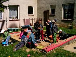 Deti na pieskovisku